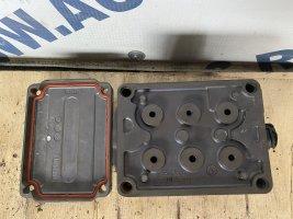 Блок клапанов делителя Scania