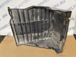 Крышка аккумуляторной батареи пластик с ребрами Scania