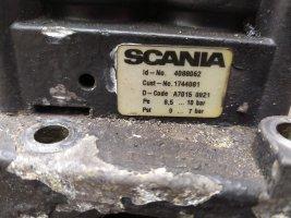 Блок клапанов с кронштейном управления ЕГР V107