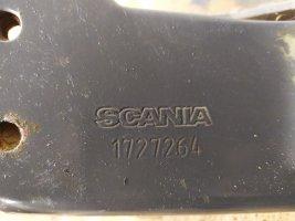 Шарнирная петля подножки обслуживания RH Scania