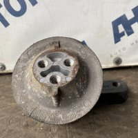 Подушка крепления двигателя левая Scania R