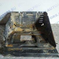 Полка аккумулятора на Scania R